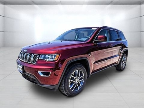 Pre-Owned 2018 Jeep Grand Cherokee Laredo With Navigation